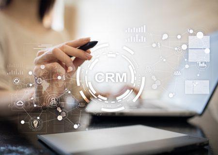 Hệ thống CRM là gì? Vai trò của CRM đối với mô hình CEM